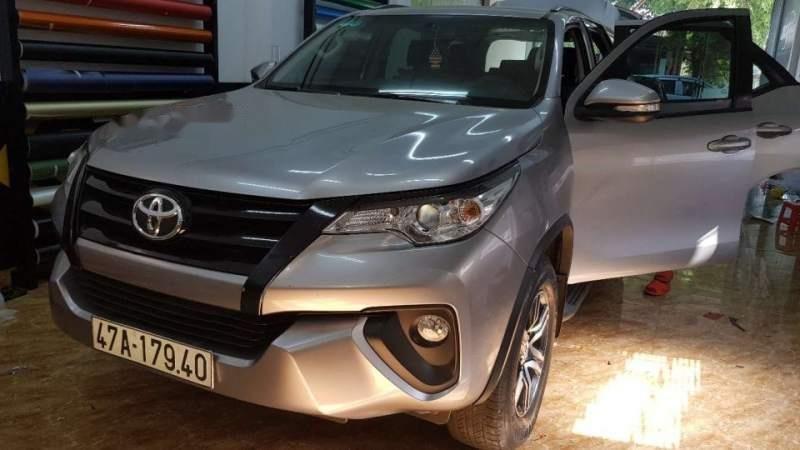 Bán Toyota Fortuner 2017, màu bạc, nhập khẩu-0