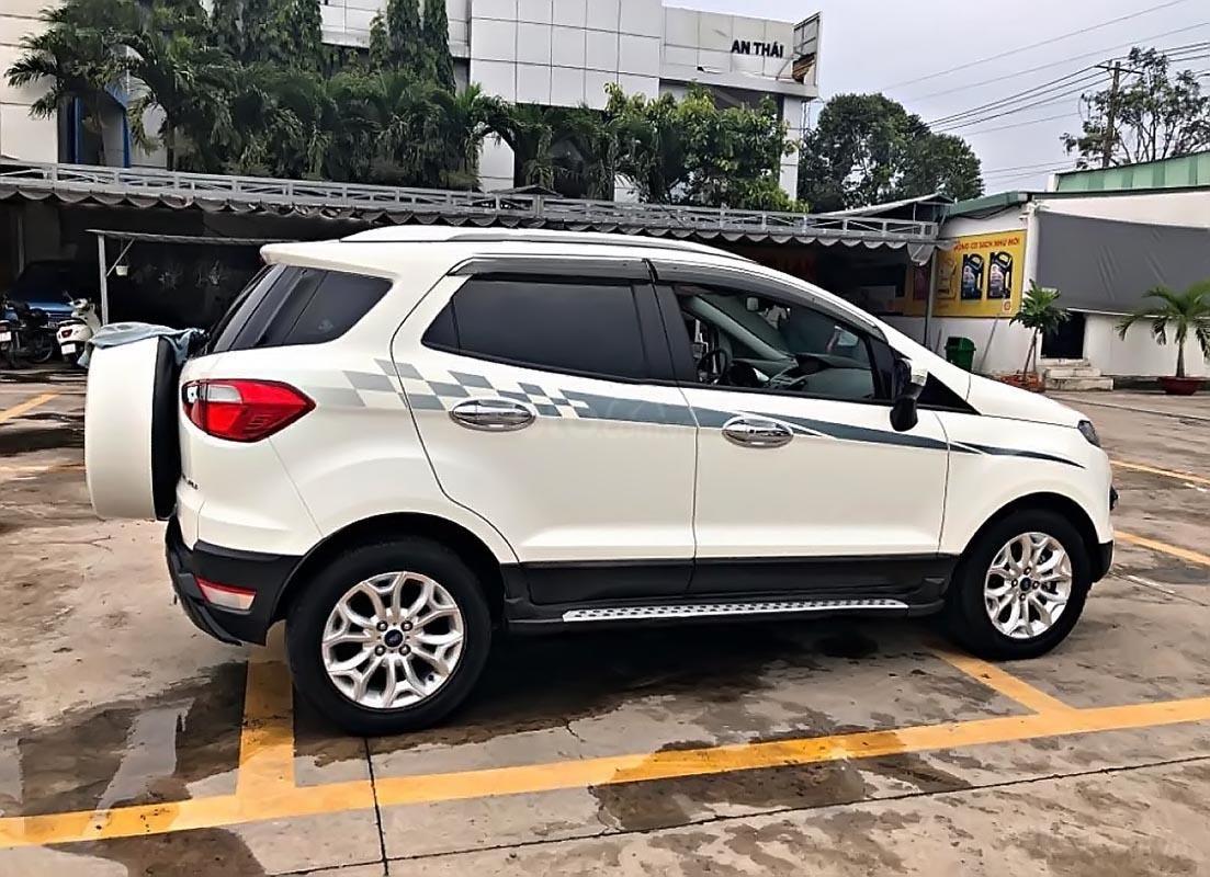 Bán Ford EcoSport Titanium năm sản xuất 2018, màu trắng-1