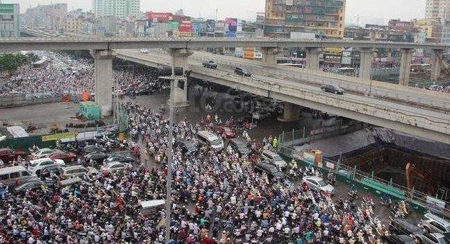 Khung cảnh tắc đường ở Hà Nội...