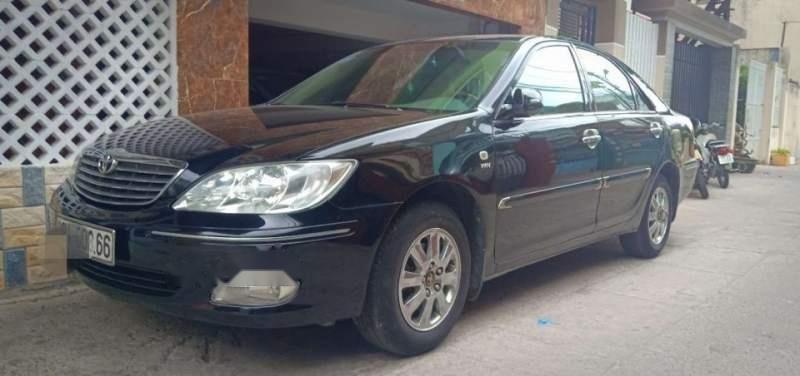 Bán ô tô Toyota Camry 2.4 MT năm sản xuất 2004, màu đen, xe nhập, giá 342tr-0