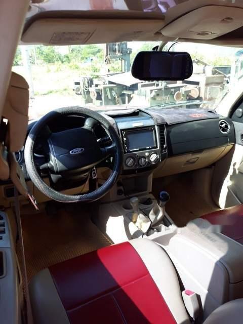 Bán Ford Everest năm sản xuất 2008, màu đỏ còn mới (4)