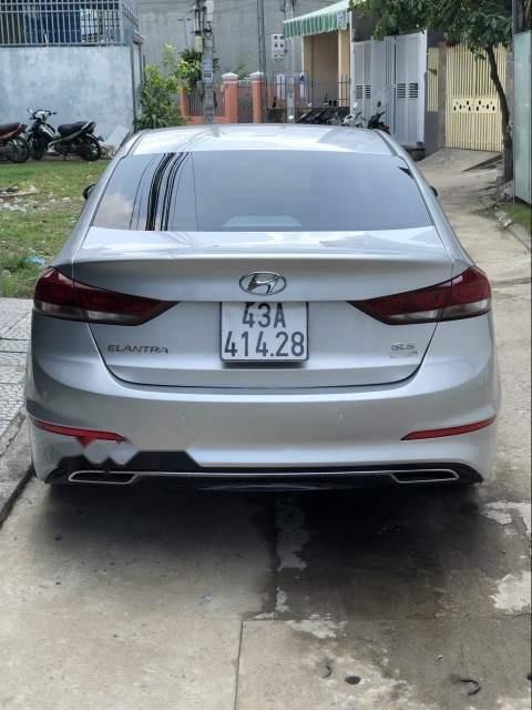 Cần bán gấp Hyundai Elantra AT đời 2016, màu bạc, giá tốt (5)