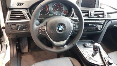 Vô lăng của BMW 3-Series