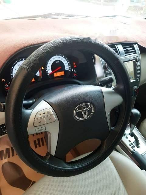 Cần bán gấp Toyota Corolla altis 1.8 năm 2013, màu bạc-1