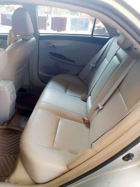 Cần bán gấp Toyota Corolla altis 1.8 năm 2013, màu bạc-3