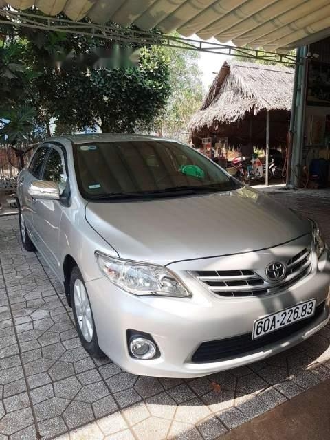 Cần bán gấp Toyota Corolla altis 1.8 năm 2013, màu bạc-4