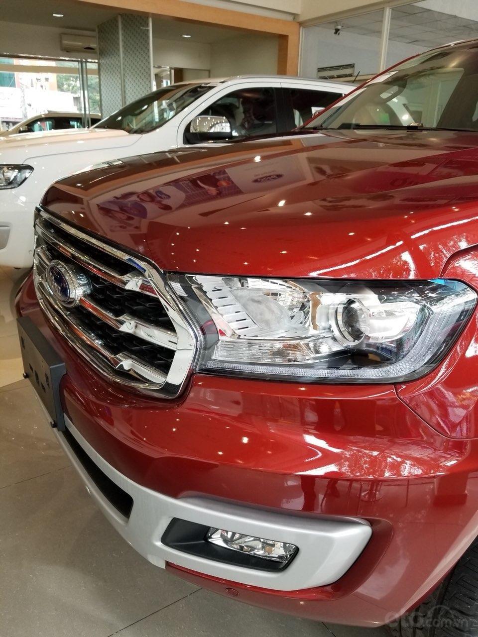 Ford Everest Ambiente và Titanium 2019, màu đỏ, nhập khẩu, giá nát để lấy doanh số, tặng kèm phụ kiện và hỗ trợ lệ phí-1