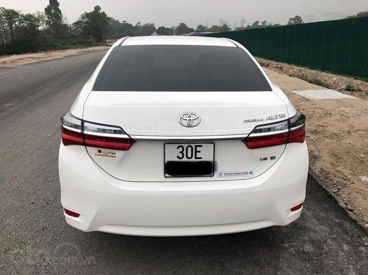 Toyota Corolla Altis 1.8MT SX 2017 form mới-4