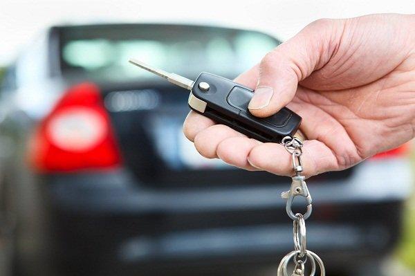 Cẩn thận với những rủi ro khi giao cho nhân viên bán xe làm thủ tục mua trả góp4aa