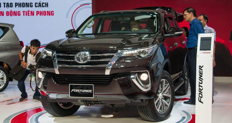 Bảng giá phụ kiện chính hãng của Toyota Fortuner 2019.