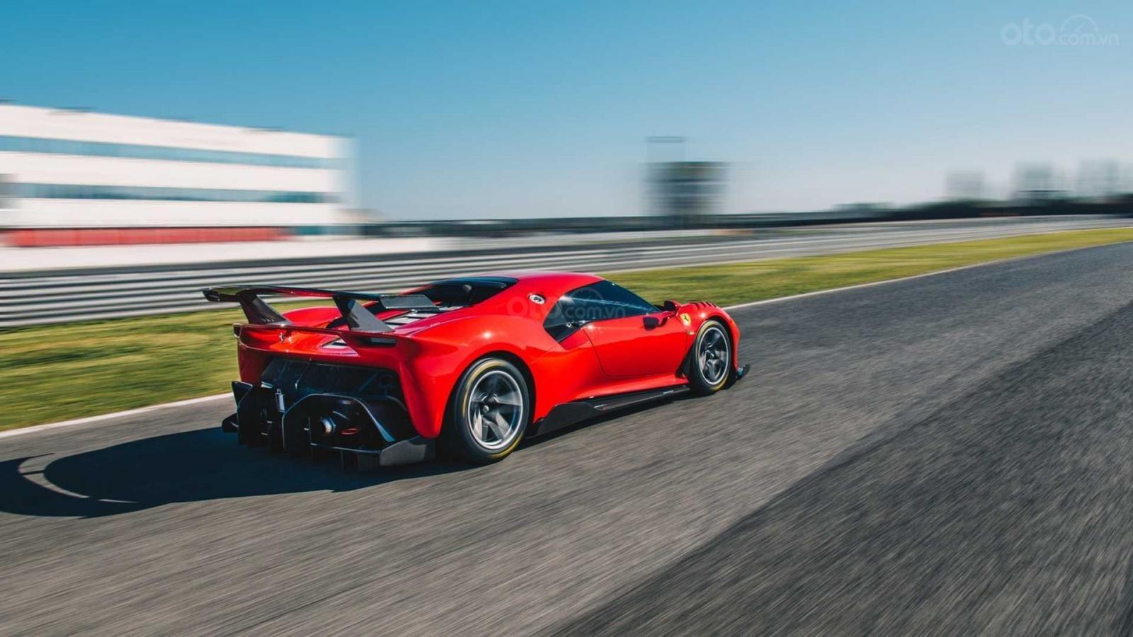 Ferrari P80/C phát triển dài lâu