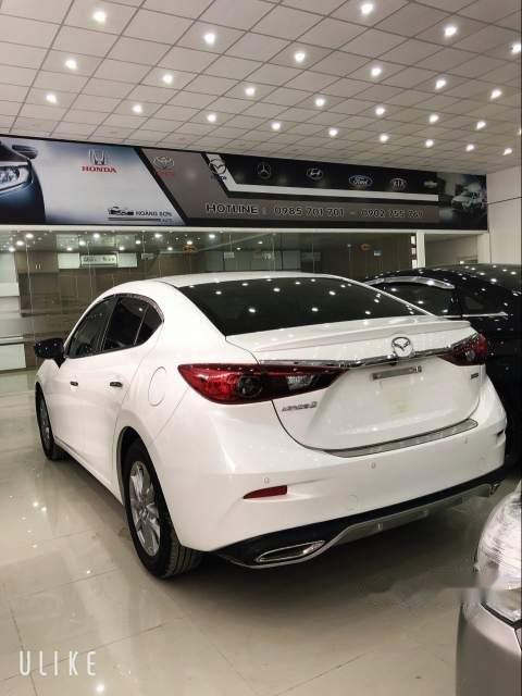 Xe Mazda 3 đời 2017, màu trắng còn mới, giá tốt (3)