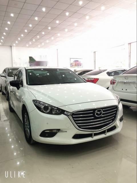 Xe Mazda 3 đời 2017, màu trắng còn mới, giá tốt (1)