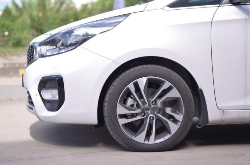 Bán ô tô Kia Rondo sản xuất năm 2019, màu trắng, giá tốt-2