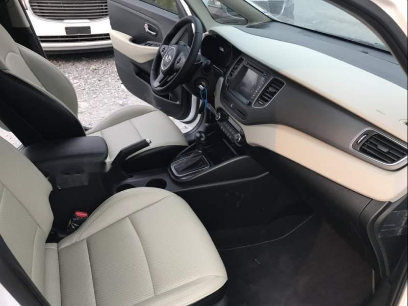 Bán ô tô Kia Rondo sản xuất năm 2019, màu trắng, giá tốt-5