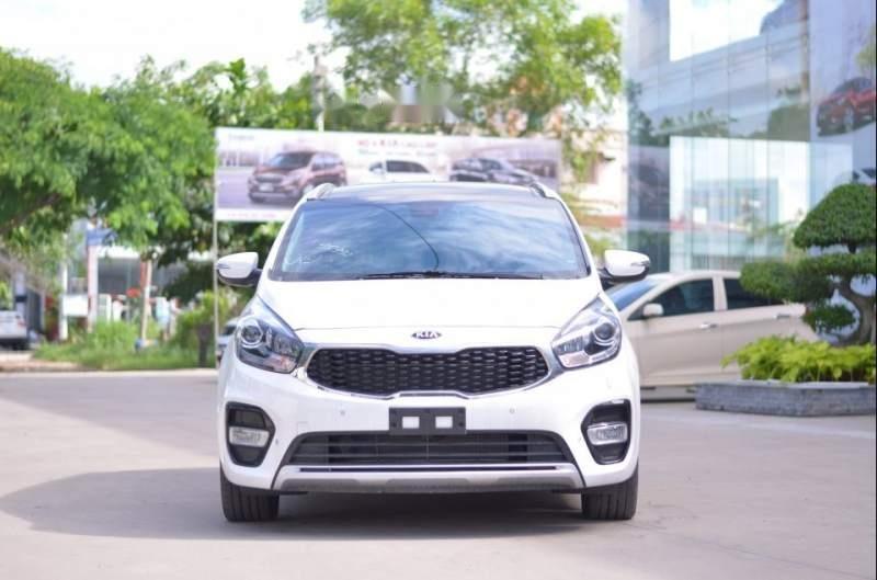 Bán ô tô Kia Rondo sản xuất năm 2019, màu trắng, giá tốt-1