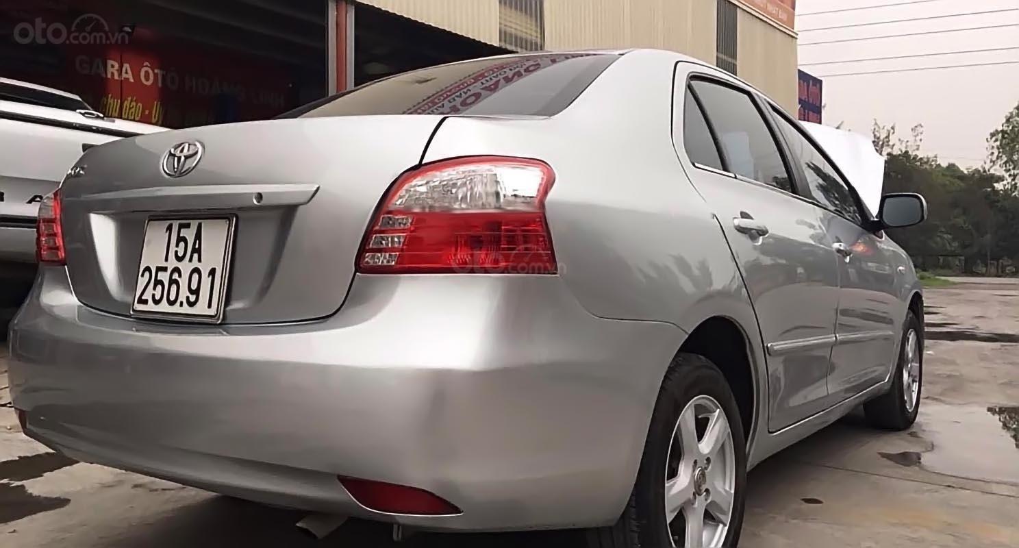 Xe Toyota Vios năm sản xuất 2009, màu bạc số sàn, giá chỉ 246 triệu (2)