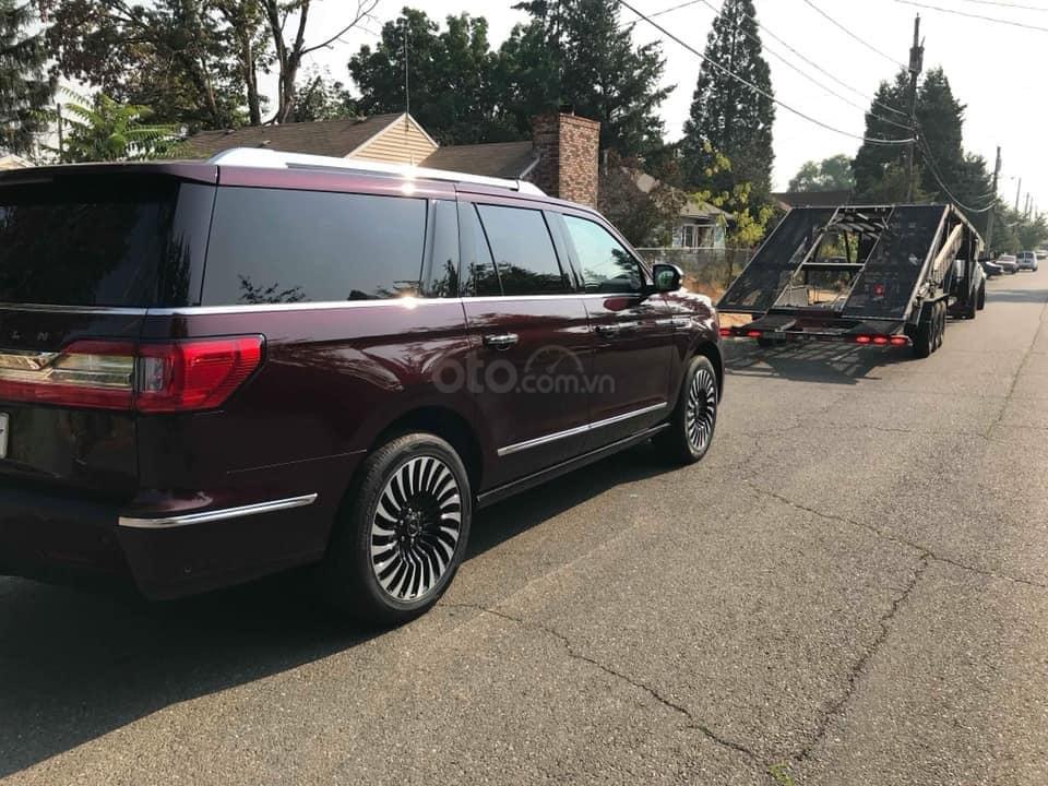 Cần bán Lincoln Navigator Black Label đời 2019, đỏ đô cực hiếm, xe chính chủ, giao ngay tận nhà (3)