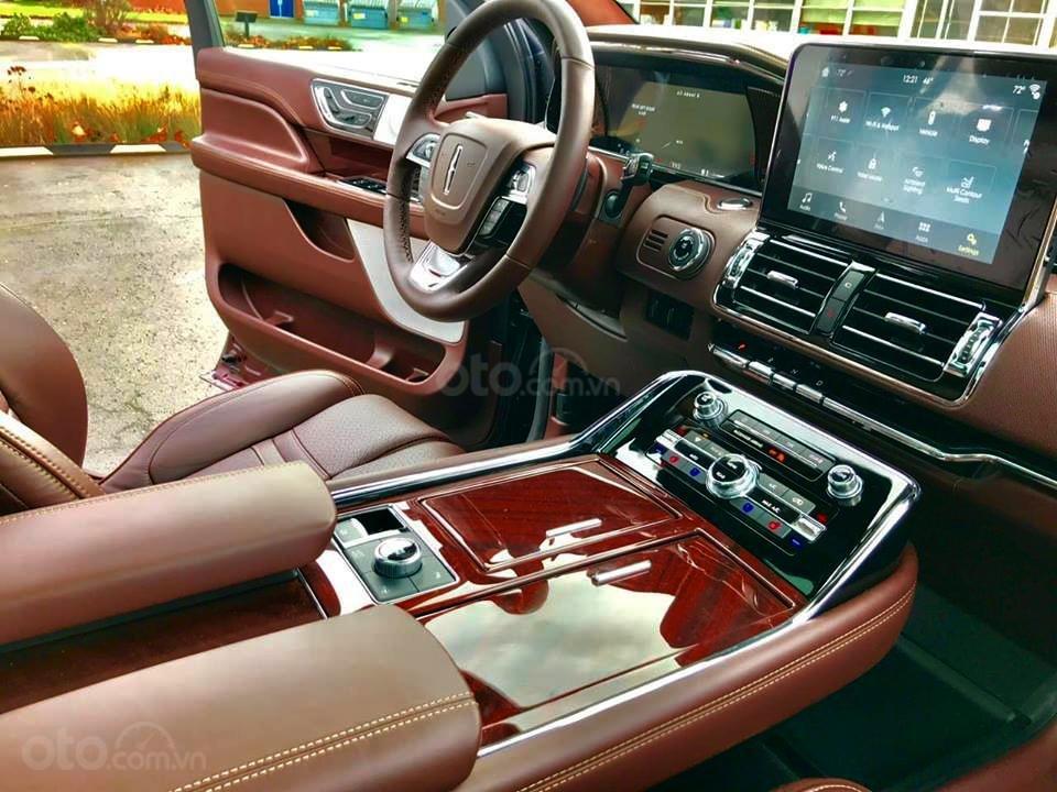Cần bán Lincoln Navigator Black Label đời 2019, đỏ đô cực hiếm, xe chính chủ, giao ngay tận nhà (4)