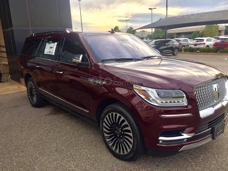 Cần bán Lincoln Navigator Black Label đời 2019, đỏ đô cực hiếm, xe chính chủ, giao ngay tận nhà (6)