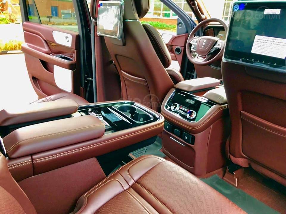 Cần bán Lincoln Navigator Black Label đời 2019, đỏ đô cực hiếm, xe chính chủ, giao ngay tận nhà (10)