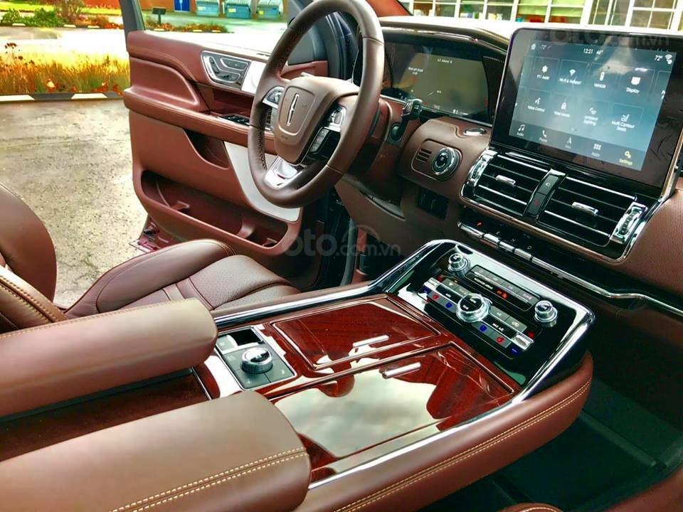 Cần bán Lincoln Navigator Black Label đời 2019, đỏ đô cực hiếm, xe chính chủ, giao ngay tận nhà (9)