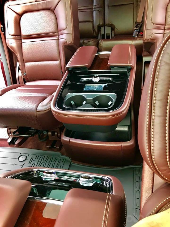 Cần bán Lincoln Navigator Black Label đời 2019, đỏ đô cực hiếm, xe chính chủ, giao ngay tận nhà (11)