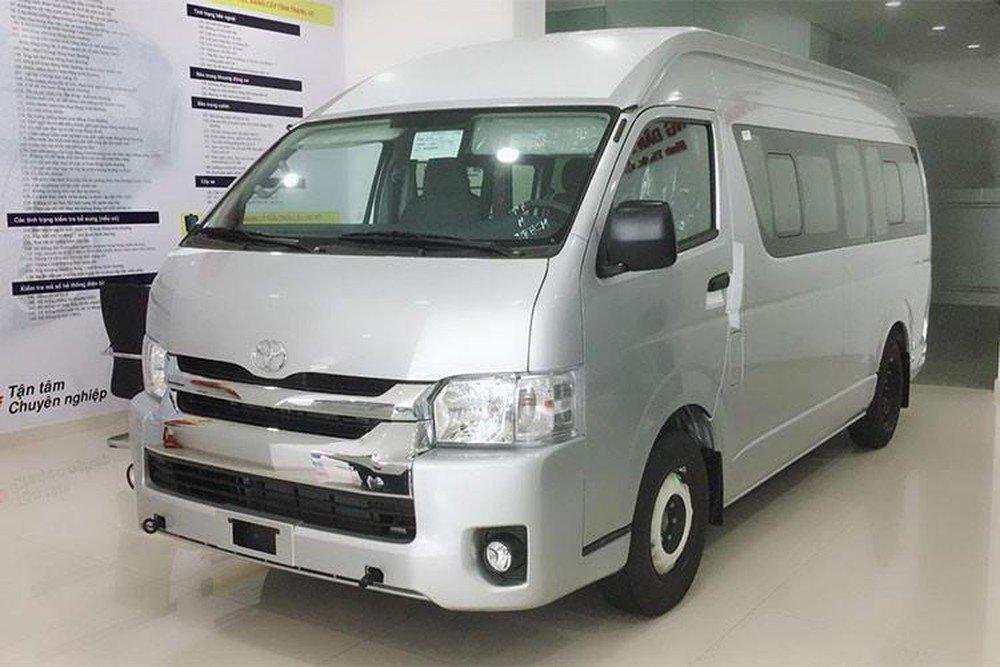 Đánh giá xe Toyota Hiace 20192aa