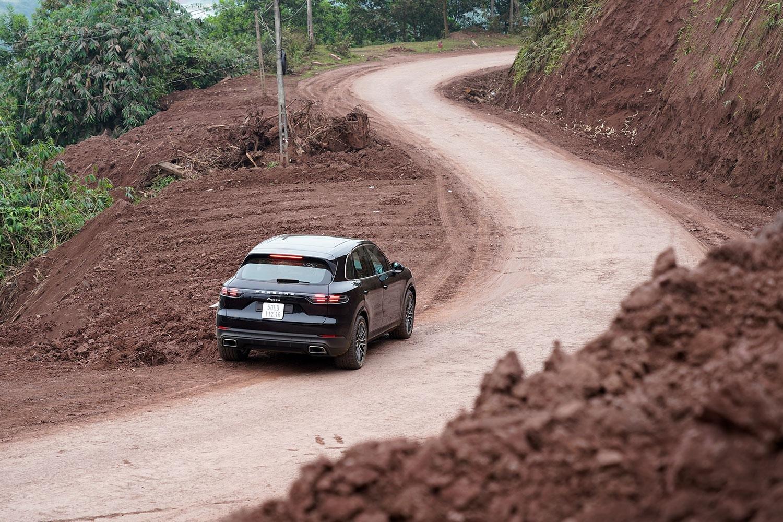 Đánh giá xe Porsche Cayenne 2019 a23