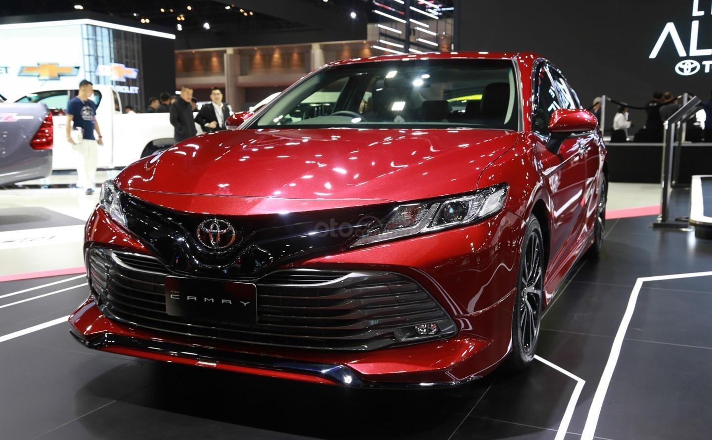 Bán Toyota Camry 2019, nhập khẩu nguyên chiếc Thái Lan tại Toyota Đông Sài Gòn - Gò Vấp-0