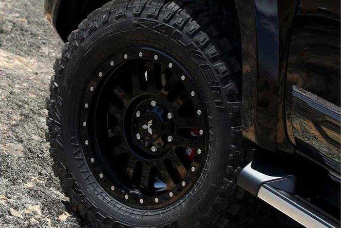 Ford có Ranger Raptor, Mitsubishi sẵn sàng 'chiến' bằng Triton Absolute a6.