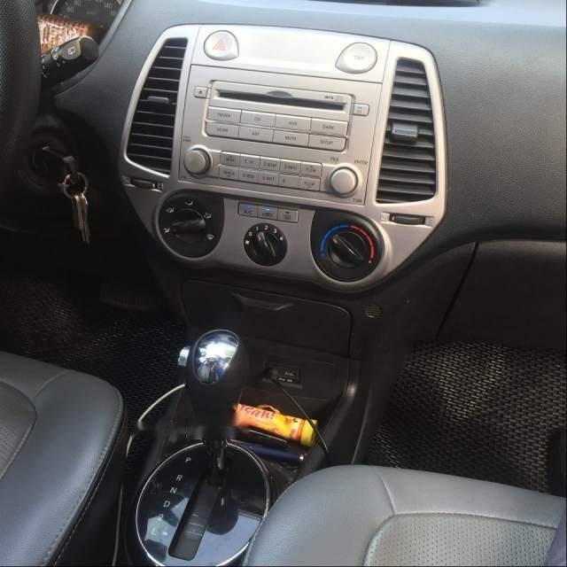 Bán Hyundai i20 năm 2011, màu bạc còn mới, giá 325tr (6)