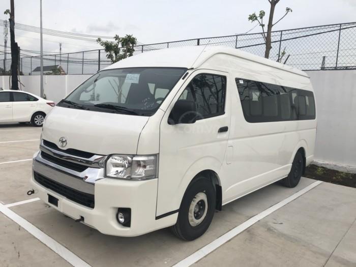 Đánh giá xe Toyota Hiace 2019 18