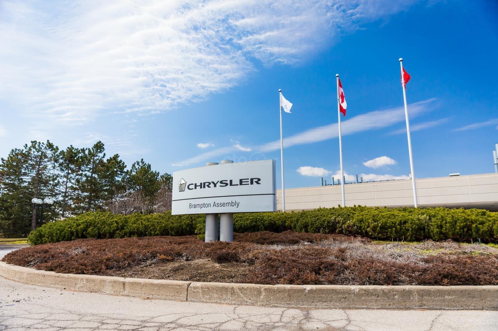 FCA ngừng hoạt động nhà máy tại Canada