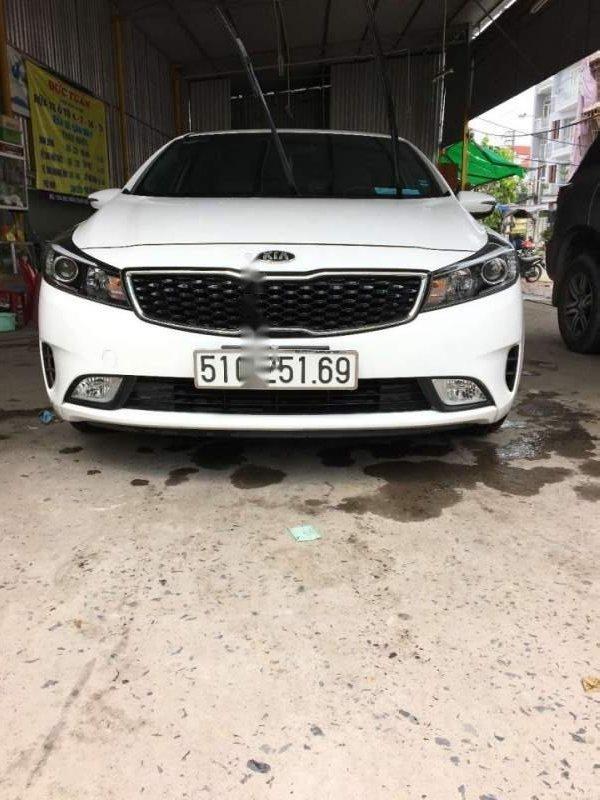 Bán Kia Cerato 1.6 MT 2017, màu trắng chính chủ (6)