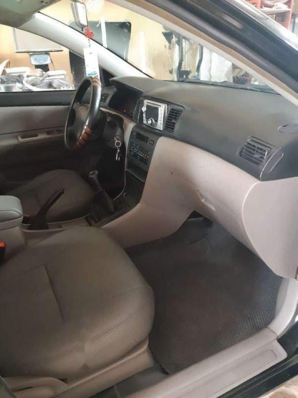 Bán ô tô Toyota Corolla Altis 1.8 MT đời 2002, màu đen xe gia đình-2
