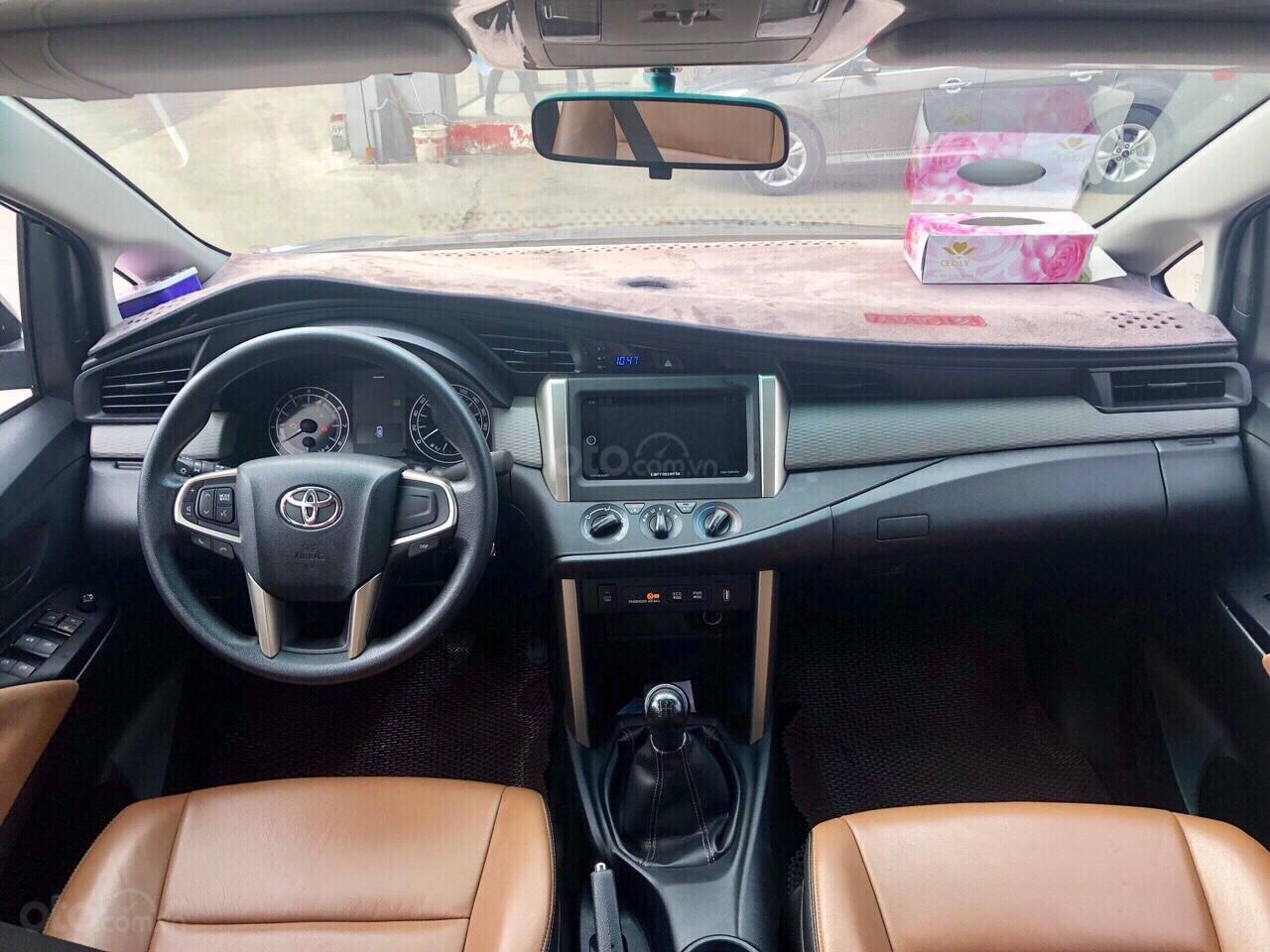 Toyota Innova 2.0E MT 2017, xe bán tại hãng Ford An Lạc-7