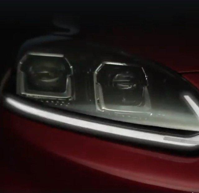 Ford Escape tung teaser hé lộ ngoại thất giống Focus.