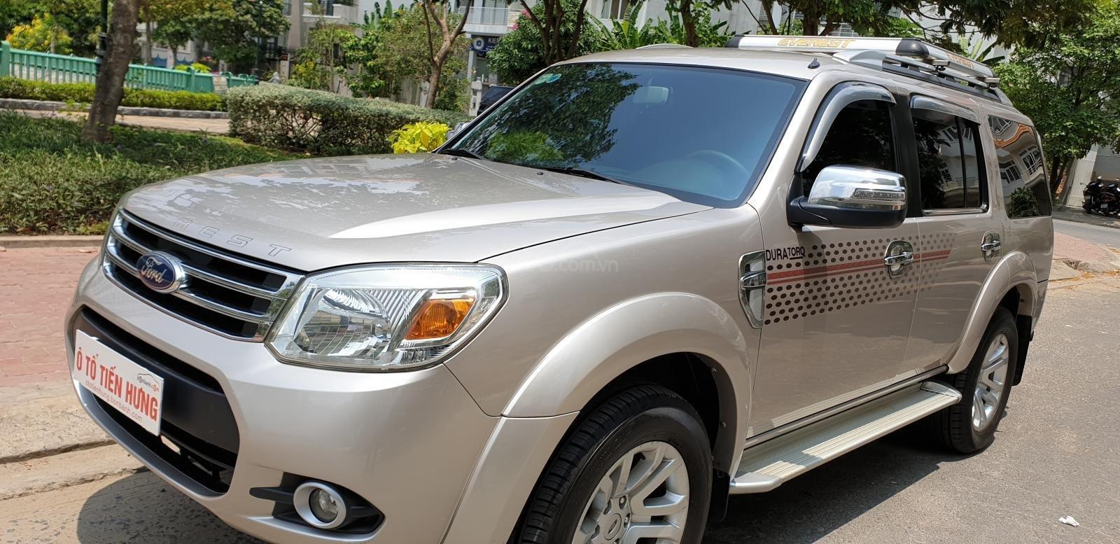 Bán Ford Everest máy dầu 2.5 số sàn model 2014 đời T12/2013, màu ghi vàng mới 90%-0