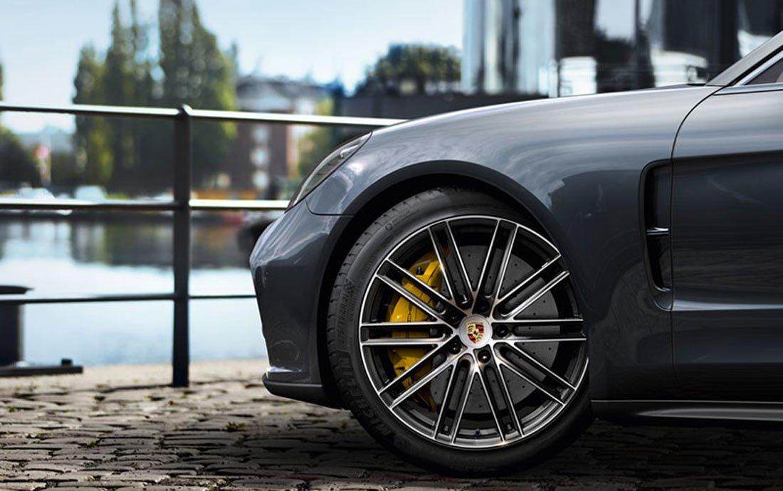 Phanh gốm carbon của Porsche 911 bị tố kém chất lượng 3