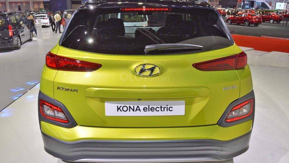 Hyundai Kona Electric ra mắt triển lãm Bangkok 2019 - ảnh đuôi xe 2
