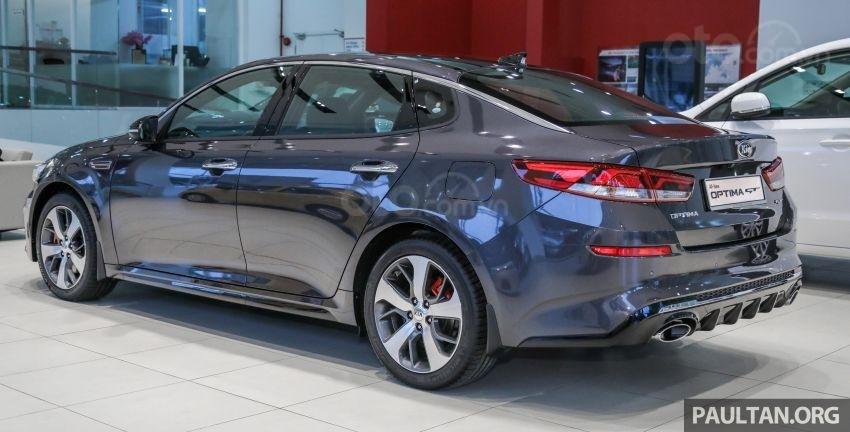 Kia Optima EX 2019 rẻ hơn bản GT
