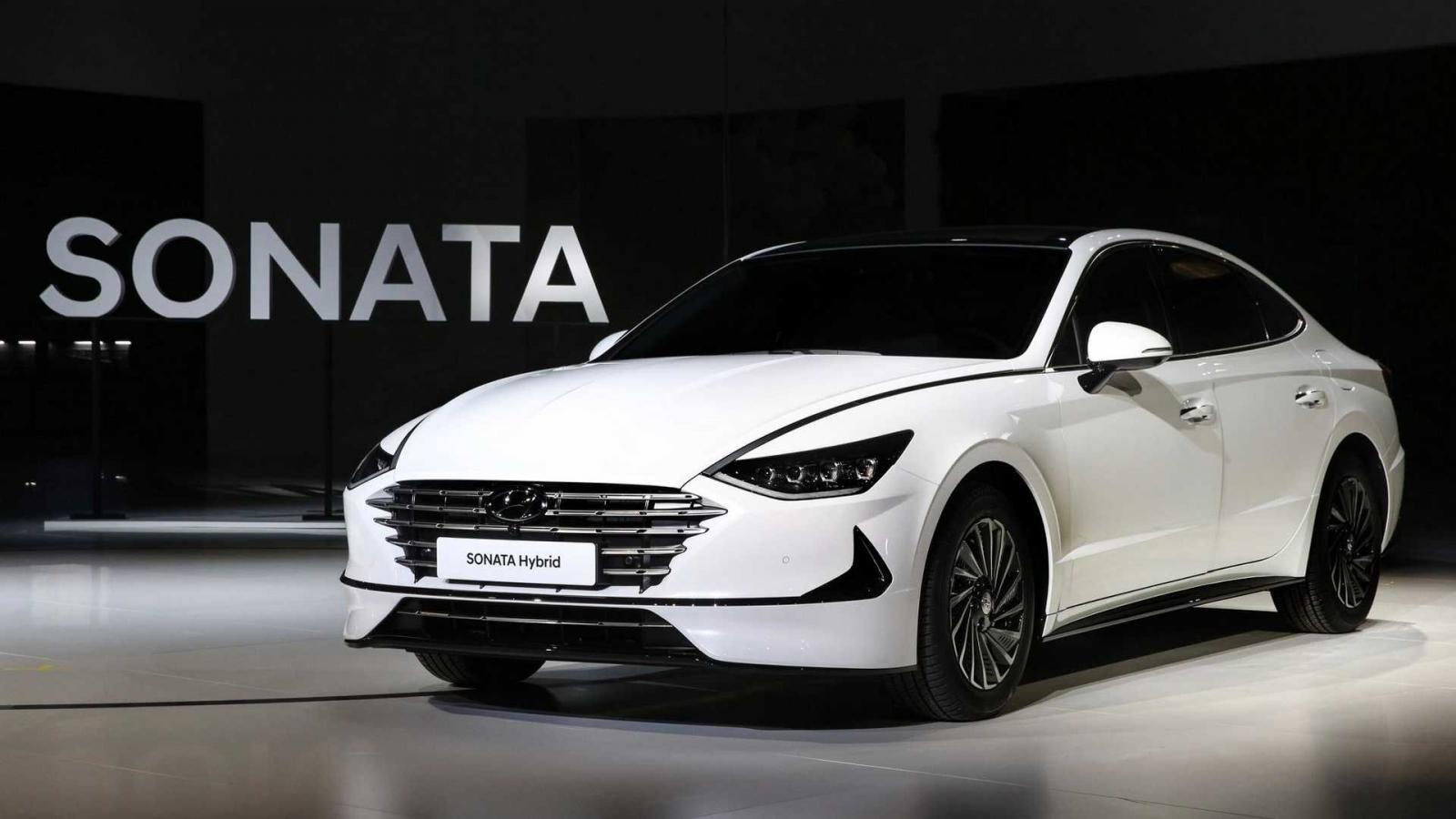 Hyundai Sonata thế hệ mới ra mắt đẹp hơn, mạnh hơn a5