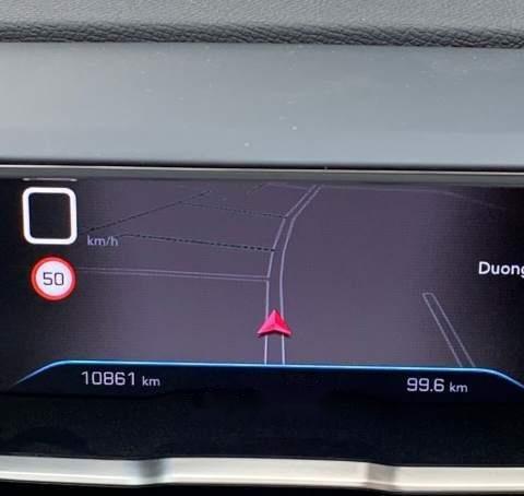 Cần bán xe Peugeot 3008 2018, màu nâu-2