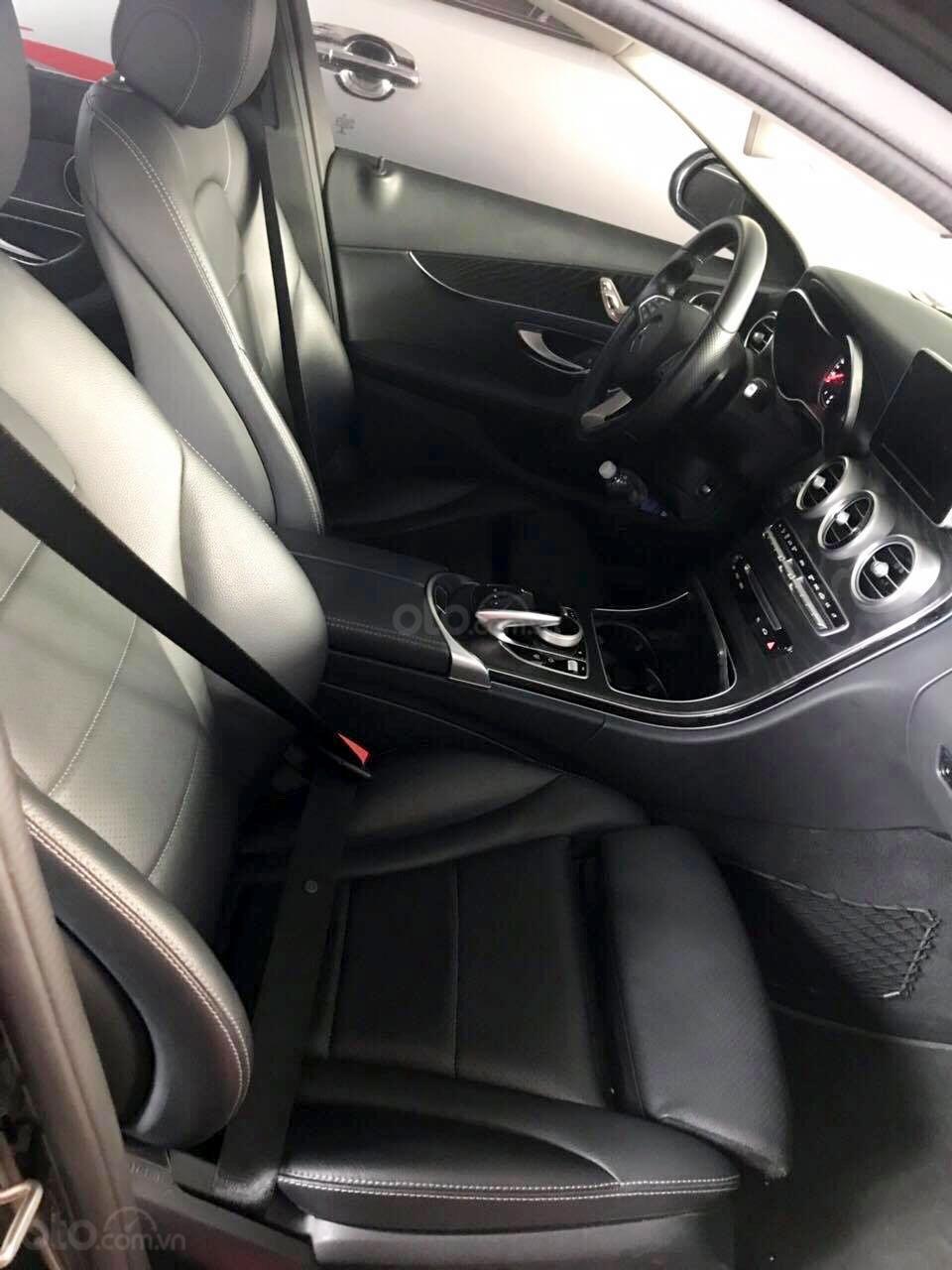 Bán Mercedes C200 model 2017, đã đi 26000km, xe chính chủ-3
