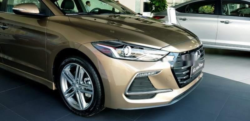 Bán ô tô Hyundai Elantra đời 2018, xe nhập, 709tr-0