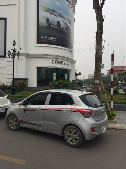 Cần bán Hyundai Grand i10 đời 2014, màu bạc, giá tốt-2