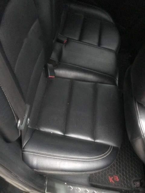 Xe Kia K3 sản xuất năm 2015, màu đen còn mới, giá tốt (3)