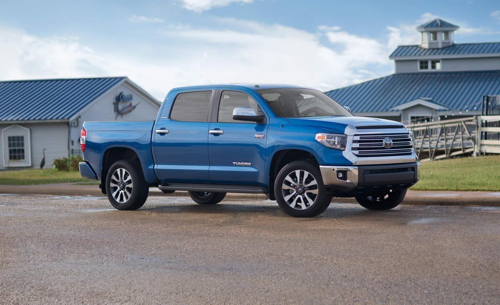 bán tải Toyota Tundra màu xanh