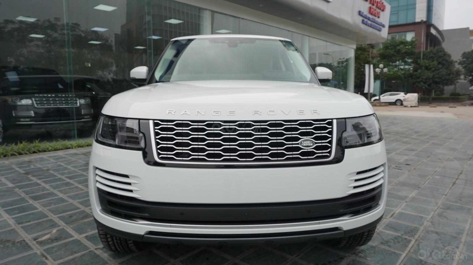 Cần bán xe LandRover Range Rover HSE năm 2019, màu trắng, xe nhập-8
